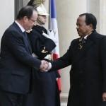 Paul Biya et François Hollande à  L'Elysee