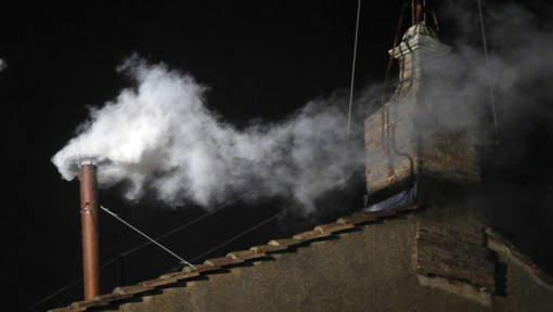 vatican fum e blanche un nouveau pape a t lu actualite en afrique et cameroun. Black Bedroom Furniture Sets. Home Design Ideas