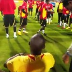 Au Ghana, on prépare un match capital en chantant