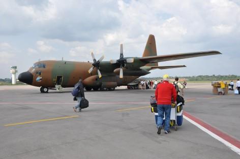 http://www.africapresse.com/wp-content/uploads/2013/12/avion-militaire-472x313.jpg