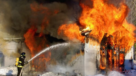 fait divers incendie l 39 immeuble si ge de la commercial bank of cameroon douala actualite. Black Bedroom Furniture Sets. Home Design Ideas