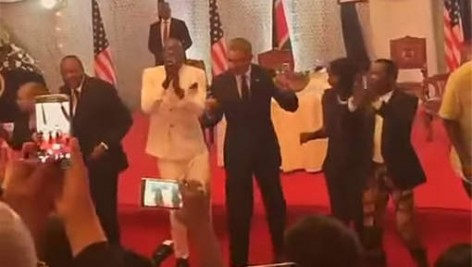 obama-dance-in kenya