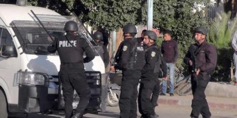 Policiers tunisiens après les attaques jihadistes à Ben Guerdane, à la frontière libyenne, le 7 mars 2016. © AP/SIPA