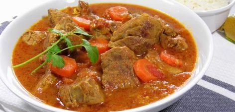 Sauté d`agneau au curry