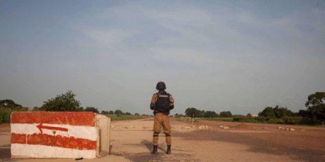 Un soldat de l'armée du Burkina Faso à Ouagadougou