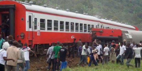 Le train Yaoundé-Douala, qui a déraillé le 21 octobre 2016 à Eseka, au Cameroun.
