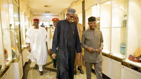 Le président Muhammadu Buhari et son vice-président, Yemi Osinbajo, en mars 2017. © REUTERS