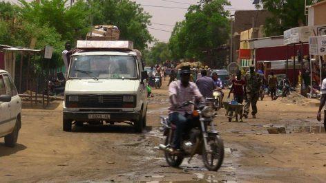 Une rue de la ville Gao, dans le nord du Mali. © REUTERS/Souleymane Ag Anara