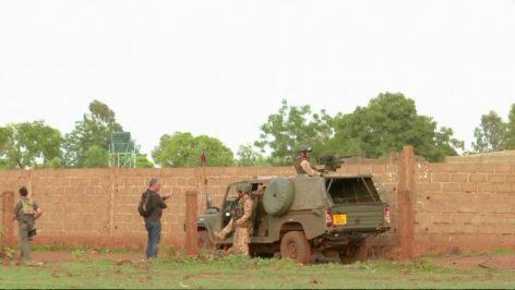 Des soldats français autour du Campement Kangaba, près de Bamako, le 18 juin 2017. © REUTERS/ REUTERS TV