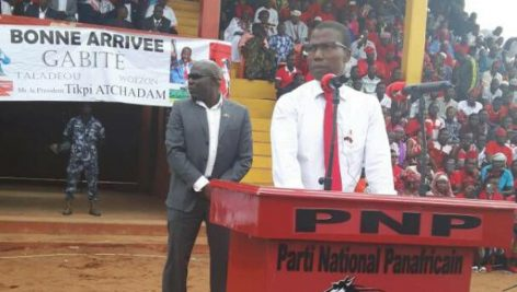 Tikpi Salifou Atchadam lors d'un meeting du Parti national panafricain (PNP) le 2 juillet 2017.
