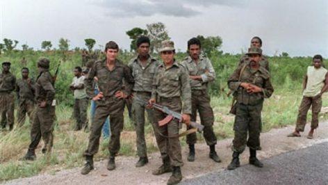 Un groupe de soldats cubains en appui à l'armée régulière angolaise, près de Cuito Cuanavale, le 29 février 1988. © (Photo : AFP)