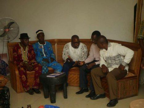 Agbor Nkongho et les chefs traditionnels de la Manyu