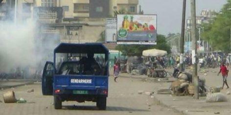 Les forces de l'ordre ont notamment fait usage de lacrymogènes pour disperser les manifestants de l'opposition, ce 18 octobre 2017 à Lomé.