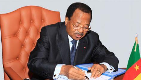 Paul Biya signe des décretss